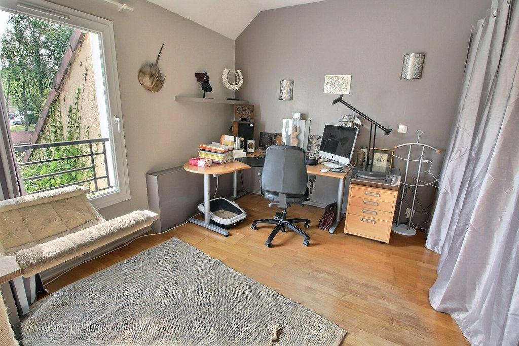 Maison à vendre 6 142m2 à Montigny-le-Bretonneux vignette-8