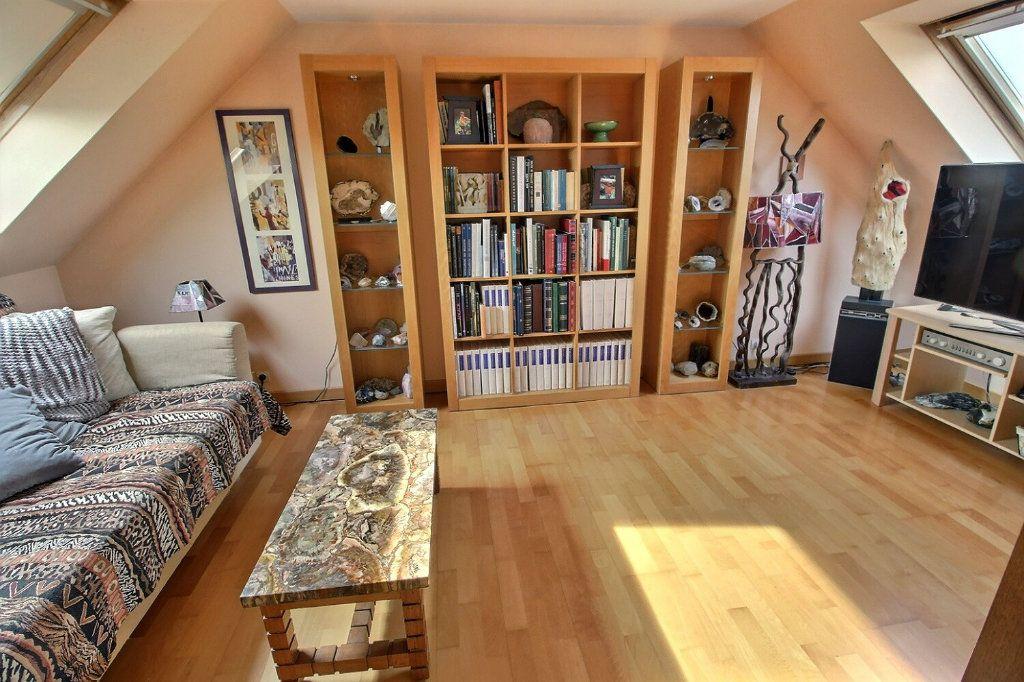 Maison à vendre 6 142m2 à Montigny-le-Bretonneux vignette-9
