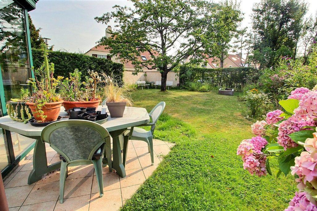Maison à vendre 6 142m2 à Montigny-le-Bretonneux vignette-12