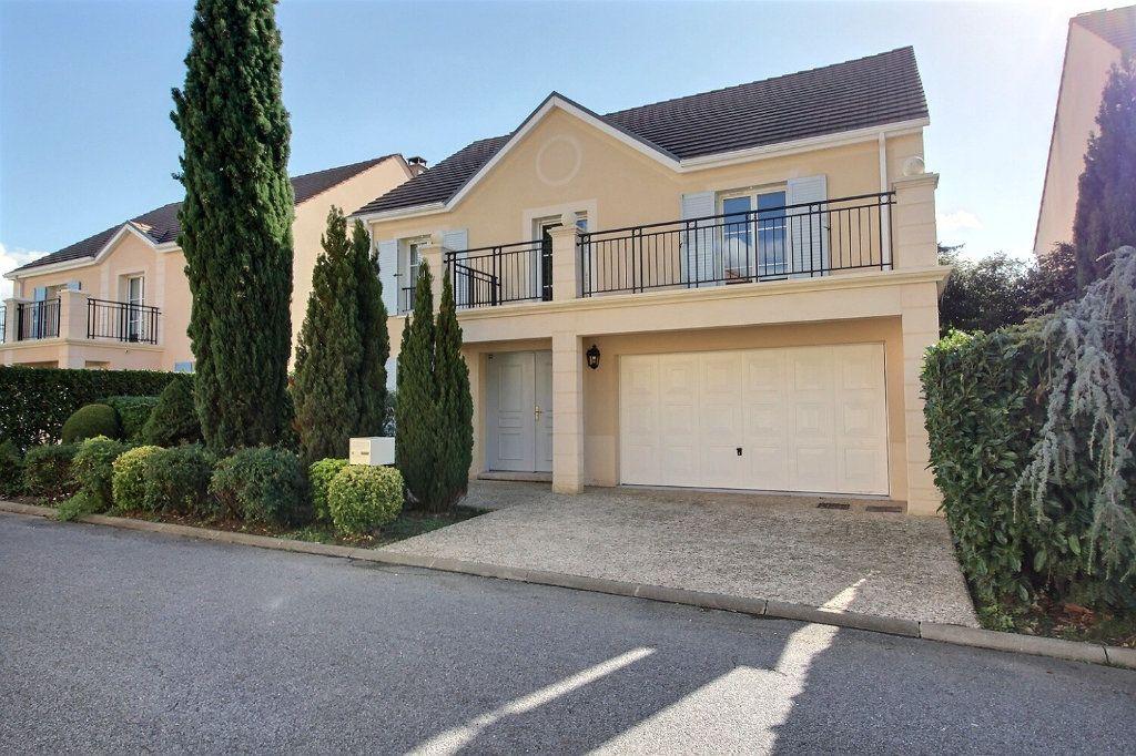 Maison à vendre 9 220m2 à Voisins-le-Bretonneux vignette-1