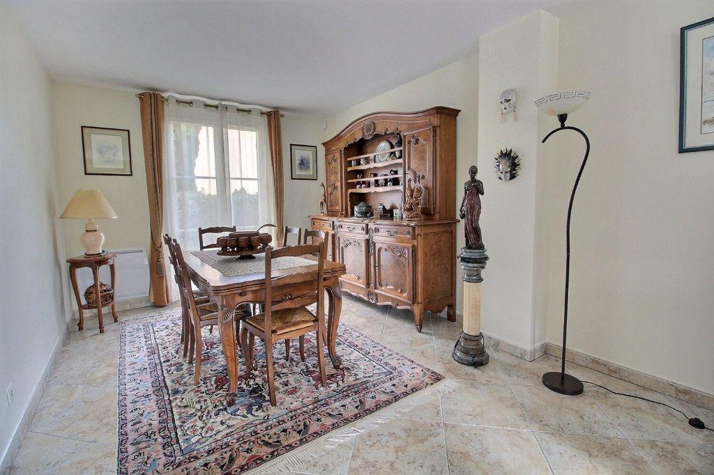 Maison à vendre 9 220m2 à Voisins-le-Bretonneux vignette-4