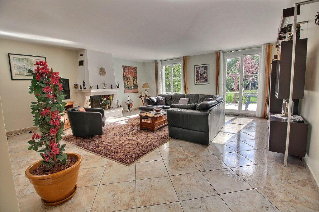 Maison à vendre 9 220m2 à Voisins-le-Bretonneux vignette-6