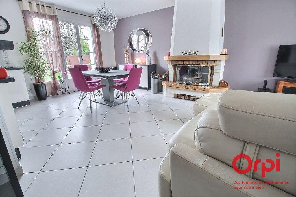 Maison à vendre 7 121.45m2 à Montigny-le-Bretonneux vignette-4