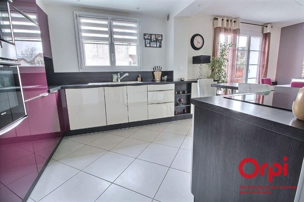 Maison à vendre 7 121.45m2 à Montigny-le-Bretonneux vignette-6
