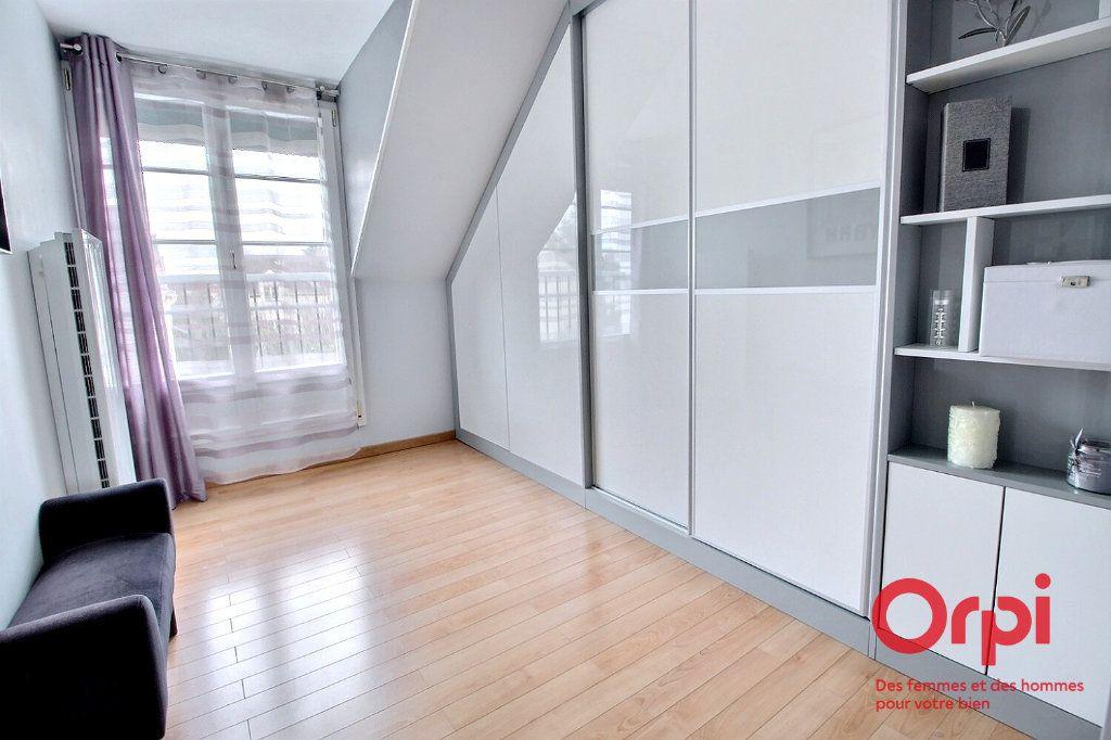 Maison à vendre 7 121.45m2 à Montigny-le-Bretonneux vignette-10