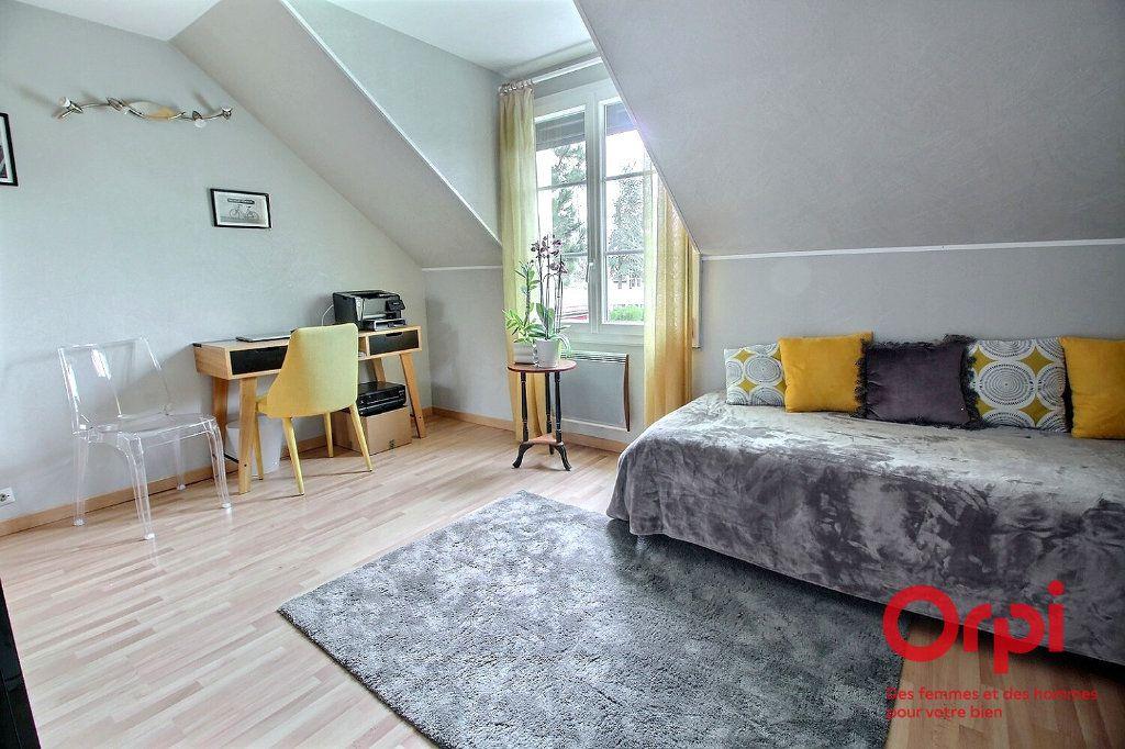 Maison à vendre 7 121.45m2 à Montigny-le-Bretonneux vignette-13