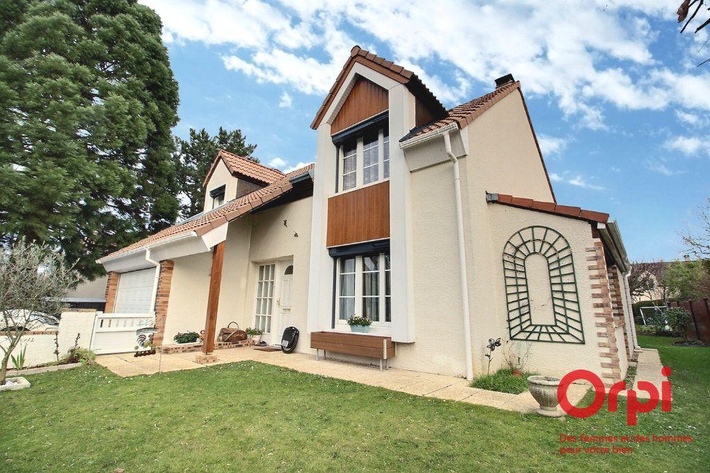 Maison à vendre 7 121.45m2 à Montigny-le-Bretonneux vignette-14