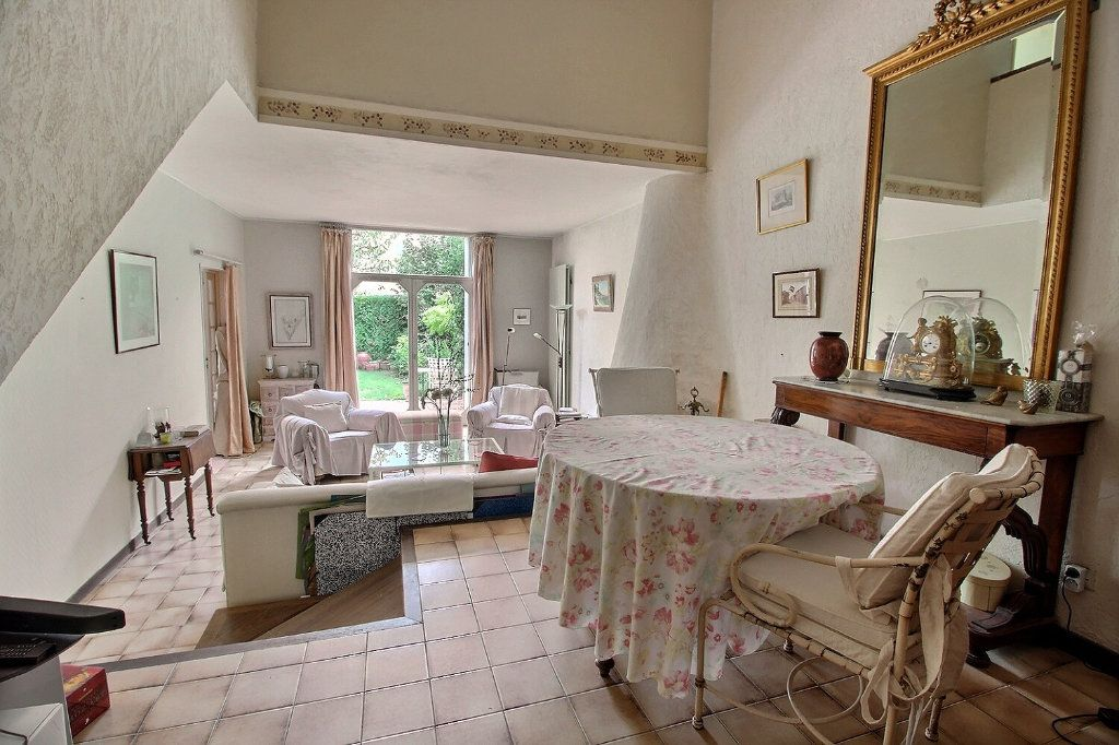 Maison à vendre 6 125m2 à Montigny-le-Bretonneux vignette-1