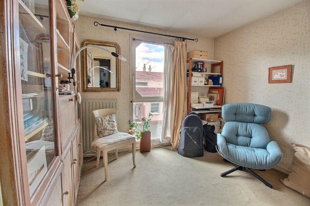 Maison à vendre 6 125m2 à Montigny-le-Bretonneux vignette-7