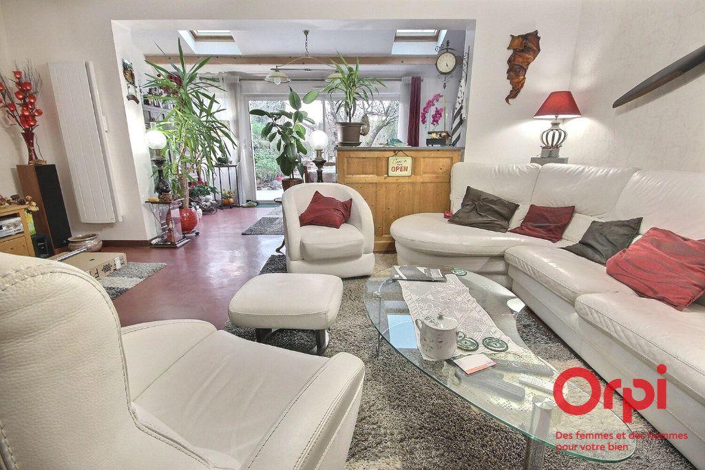 Maison à vendre 7 119m2 à Montigny-le-Bretonneux vignette-2