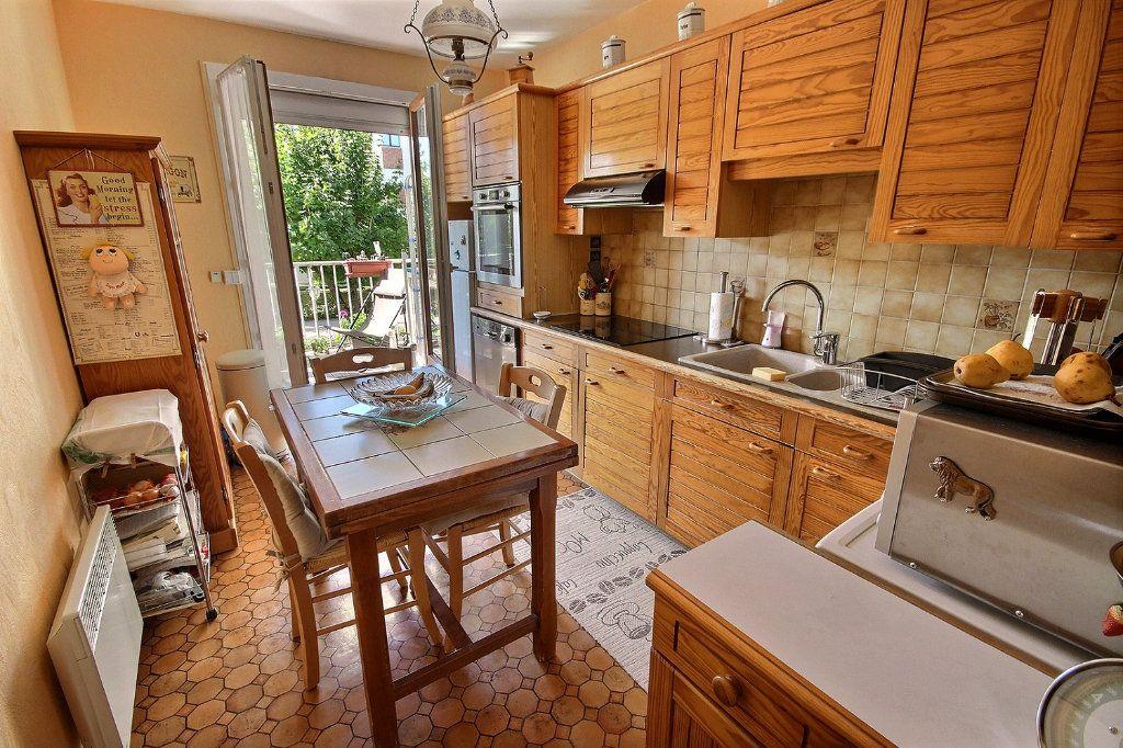 Appartement à vendre 4 76m2 à Montigny-le-Bretonneux vignette-4