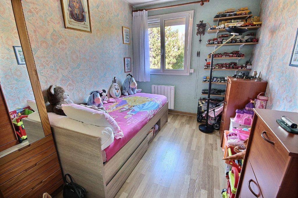 Appartement à vendre 4 76m2 à Montigny-le-Bretonneux vignette-6