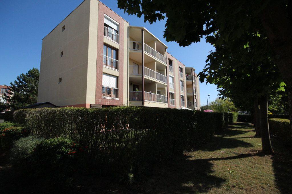 Appartement à vendre 4 76m2 à Montigny-le-Bretonneux vignette-8