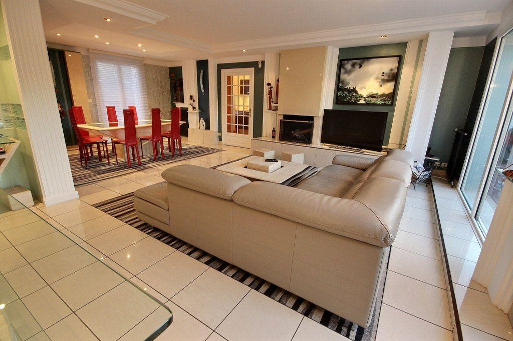 Maison à vendre 8 186m2 à Montigny-le-Bretonneux vignette-2