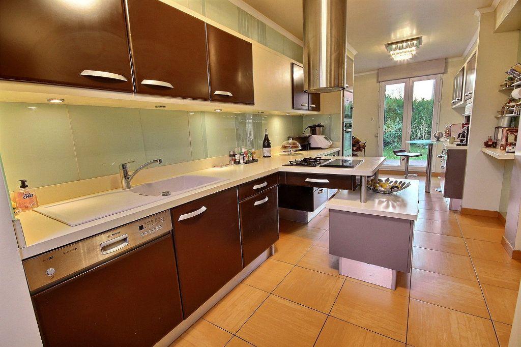 Maison à vendre 8 186m2 à Montigny-le-Bretonneux vignette-3