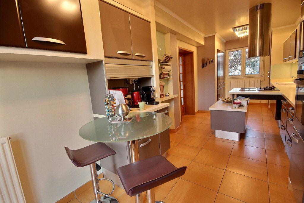 Maison à vendre 8 166m2 à Montigny-le-Bretonneux vignette-4