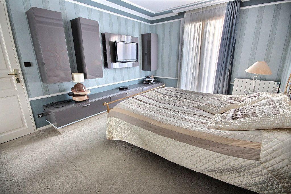 Maison à vendre 8 166m2 à Montigny-le-Bretonneux vignette-6