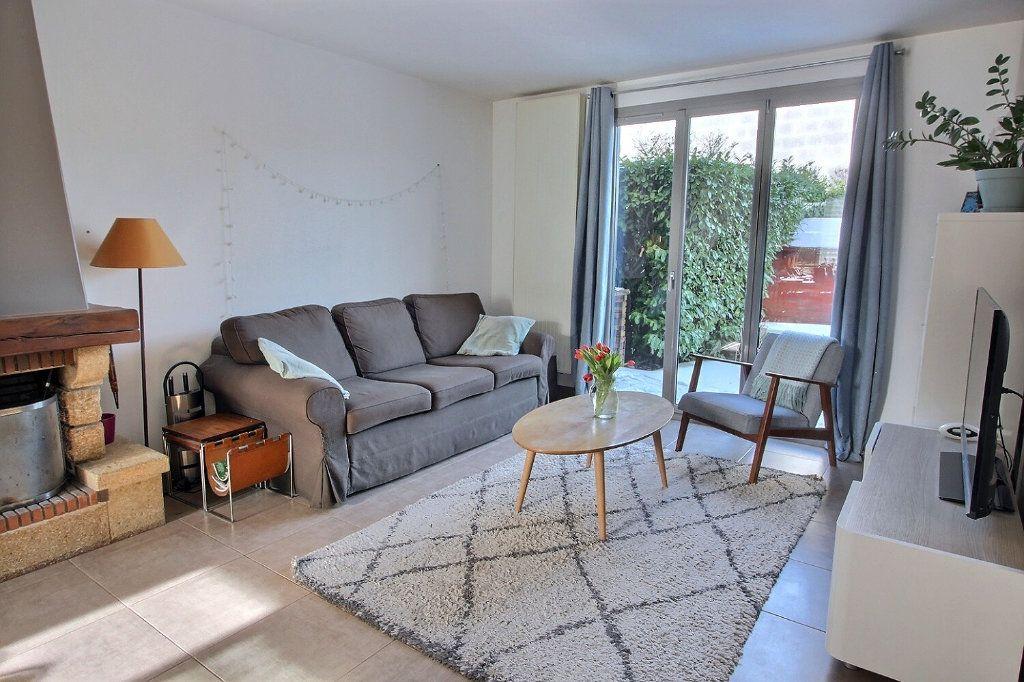 Maison à vendre 6 105m2 à Montigny-le-Bretonneux vignette-1