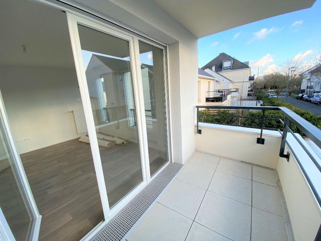 Appartement à vendre 3 66.04m2 à Montigny-le-Bretonneux vignette-1