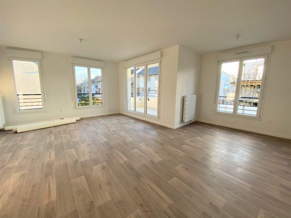 Appartement à vendre 3 66.04m2 à Montigny-le-Bretonneux vignette-4