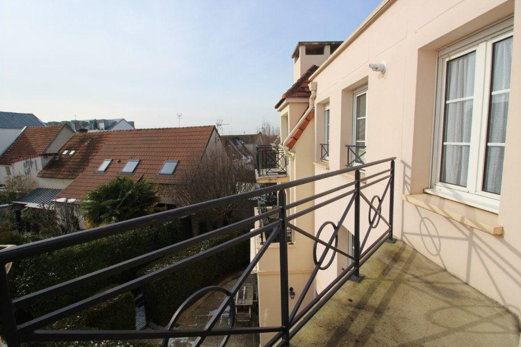 Appartement à vendre 2 40m2 à Montigny-le-Bretonneux vignette-1