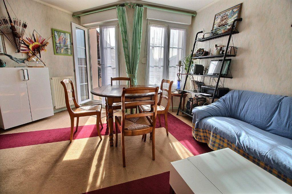 Appartement à vendre 2 40m2 à Montigny-le-Bretonneux vignette-2
