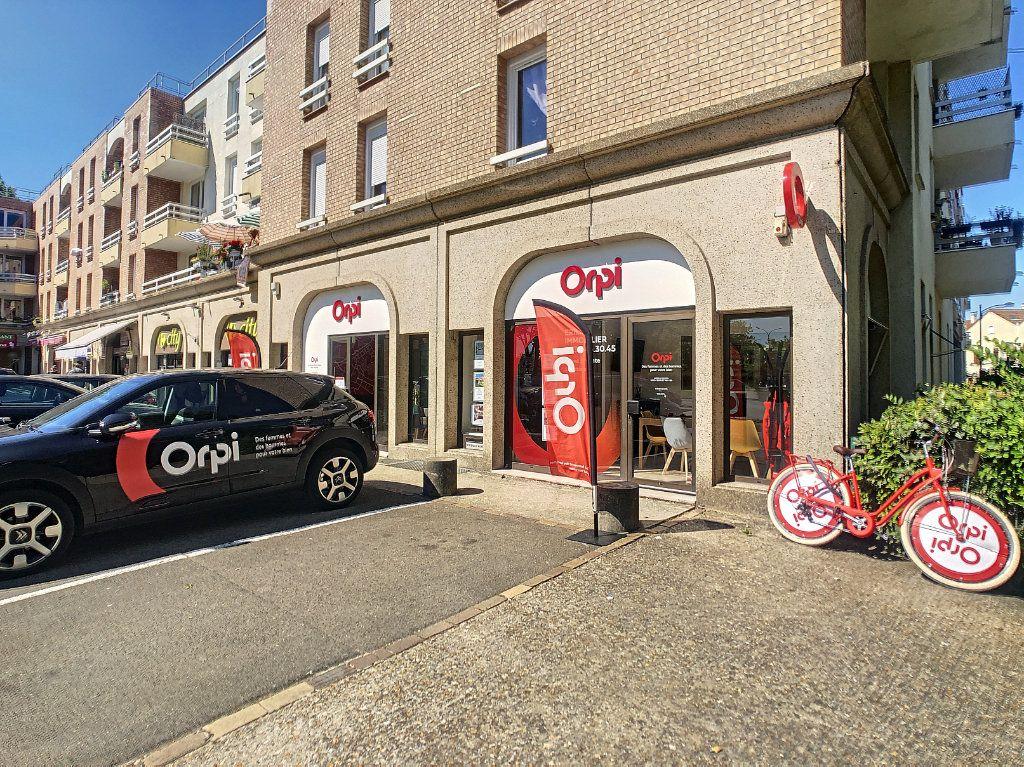 Appartement à vendre 2 40m2 à Montigny-le-Bretonneux vignette-5