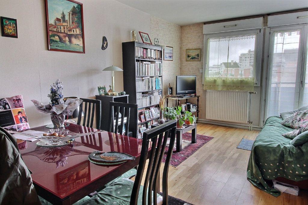 Appartement à vendre 2 50m2 à Montigny-le-Bretonneux vignette-2