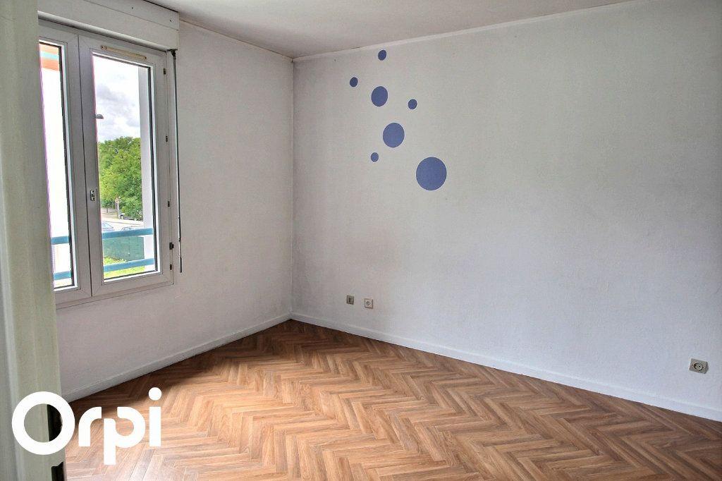 Appartement à louer 2 46m2 à Guyancourt vignette-3