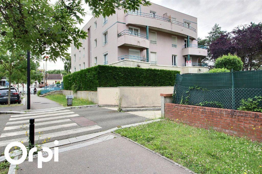 Appartement à louer 2 46m2 à Guyancourt vignette-4