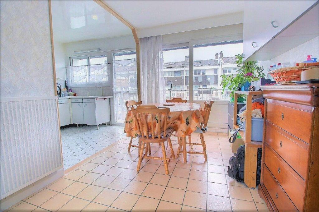 Maison à vendre 4 77m2 à Montigny-le-Bretonneux vignette-2