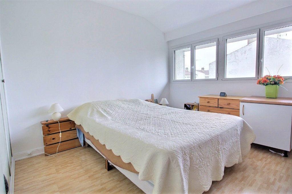 Maison à vendre 4 77m2 à Montigny-le-Bretonneux vignette-3