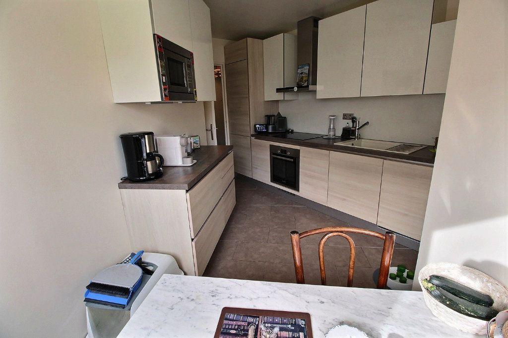Appartement à vendre 4 82m2 à Montigny-le-Bretonneux vignette-4