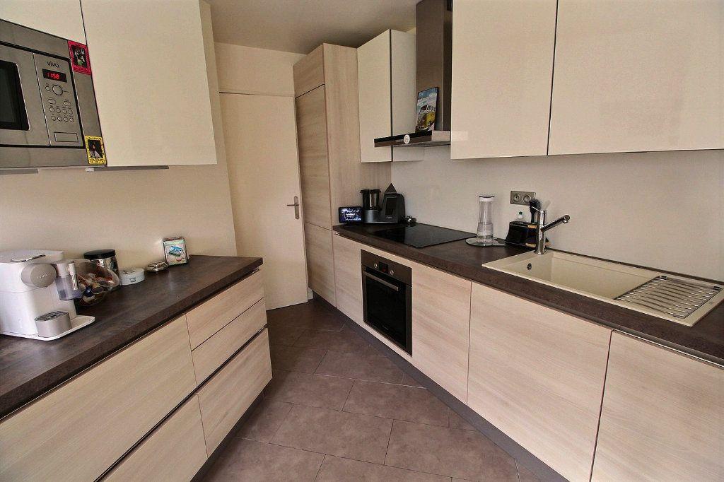 Appartement à vendre 4 82m2 à Montigny-le-Bretonneux vignette-5