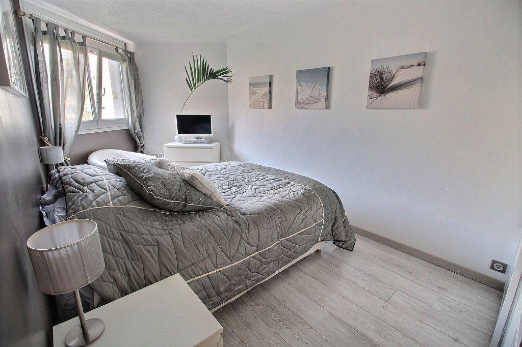 Appartement à vendre 4 82m2 à Montigny-le-Bretonneux vignette-7
