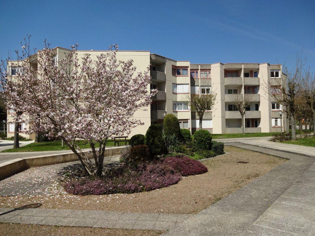 Appartement à vendre 4 82m2 à Montigny-le-Bretonneux vignette-9