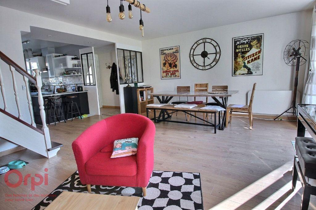 Maison à vendre 7 145m2 à Voisins-le-Bretonneux vignette-1