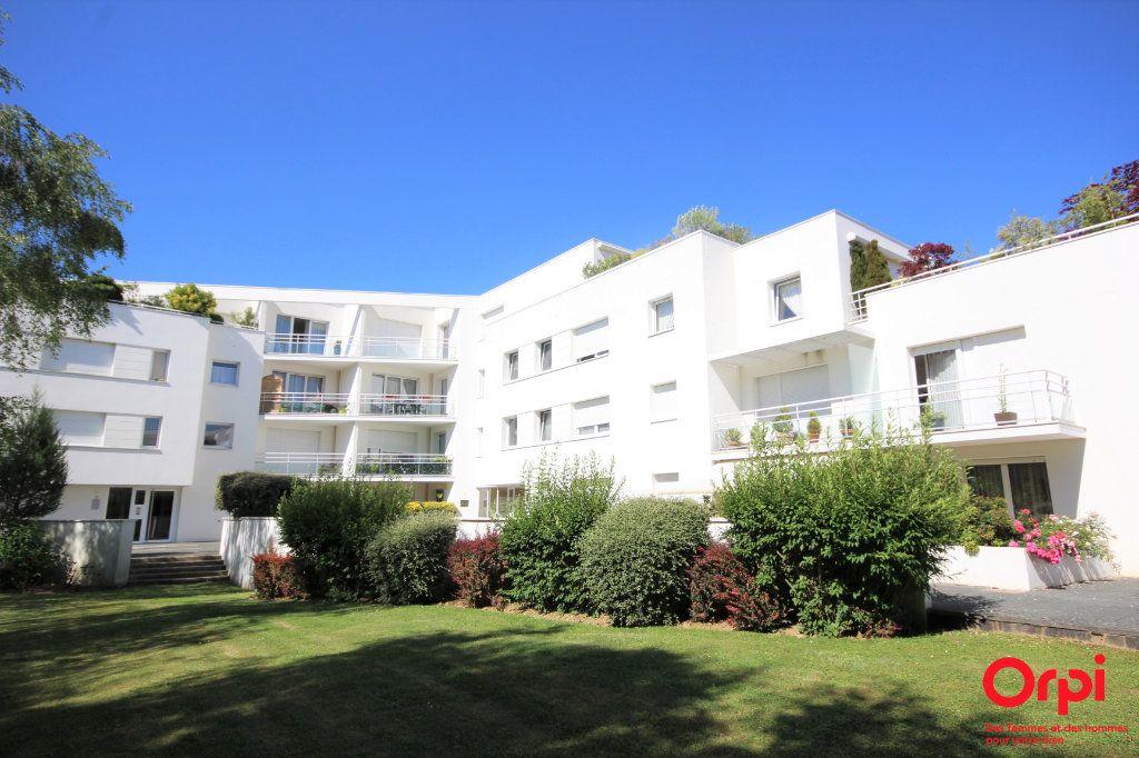 Appartement à vendre 2 45m2 à Montigny-le-Bretonneux vignette-1