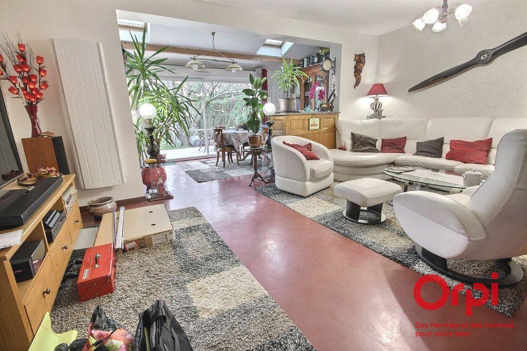 Maison à vendre 7 119m2 à Montigny-le-Bretonneux vignette-1