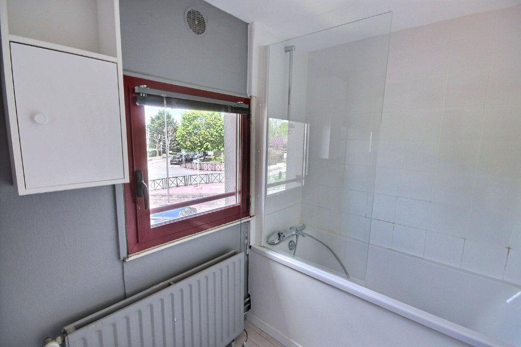 Maison à vendre 5 85.95m2 à Montigny-le-Bretonneux vignette-3