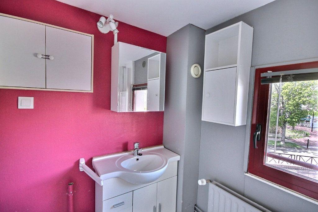 Maison à vendre 5 85.95m2 à Montigny-le-Bretonneux vignette-4
