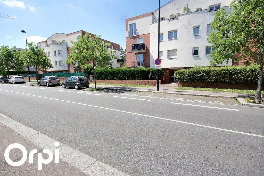 Appartement à louer 2 40.45m2 à Montigny-le-Bretonneux vignette-1