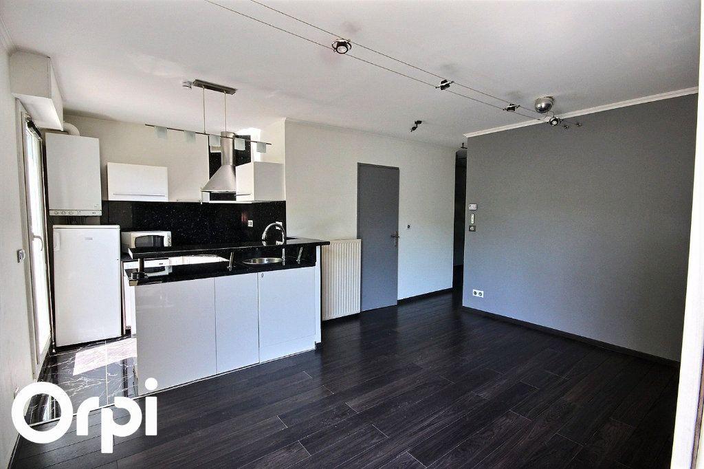 Appartement à louer 2 40.45m2 à Montigny-le-Bretonneux vignette-3