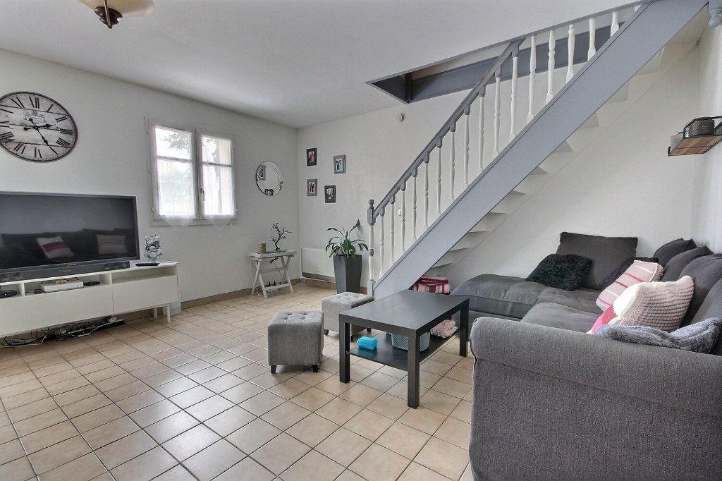 Maison à vendre 7 122m2 à Voisins-le-Bretonneux vignette-2