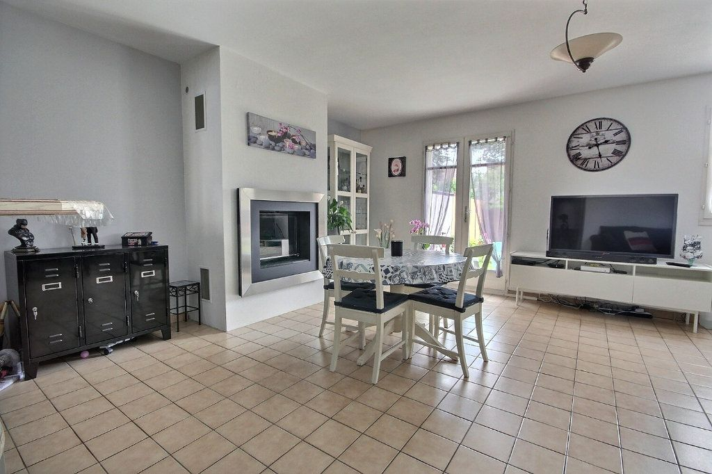 Maison à vendre 7 122m2 à Voisins-le-Bretonneux vignette-3
