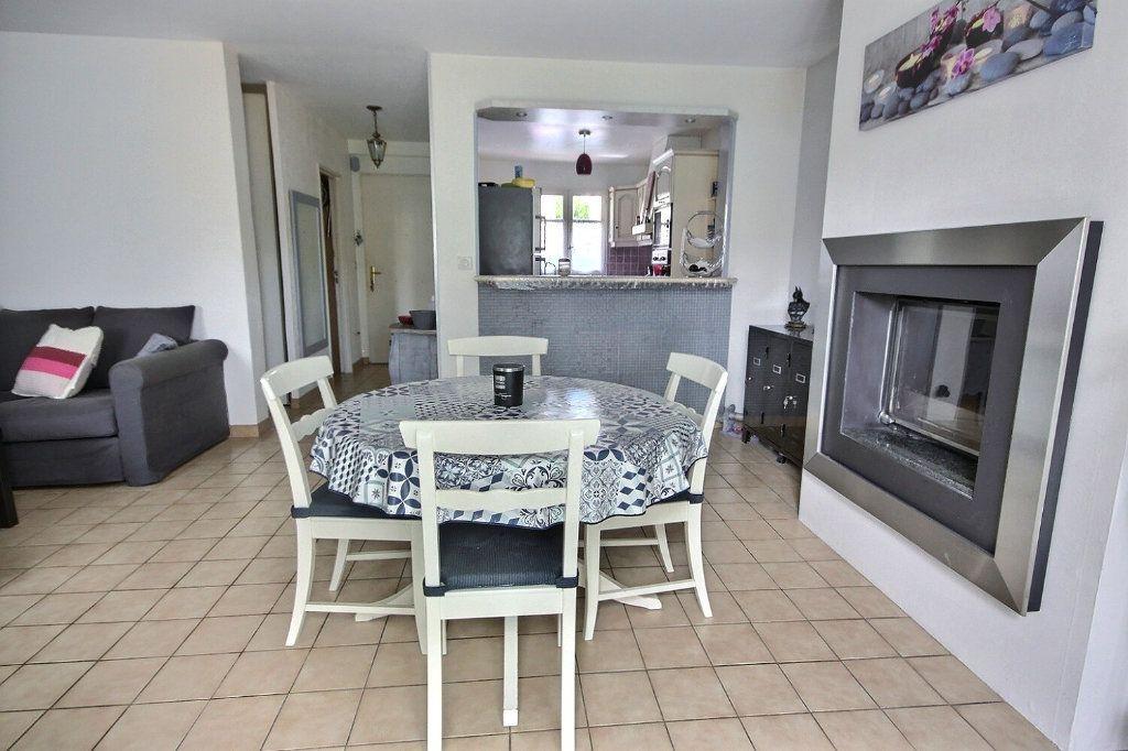Maison à vendre 7 122m2 à Voisins-le-Bretonneux vignette-4