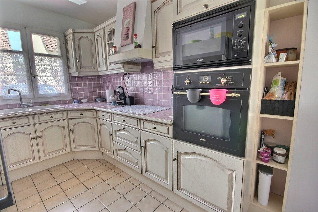 Maison à vendre 7 122m2 à Voisins-le-Bretonneux vignette-5