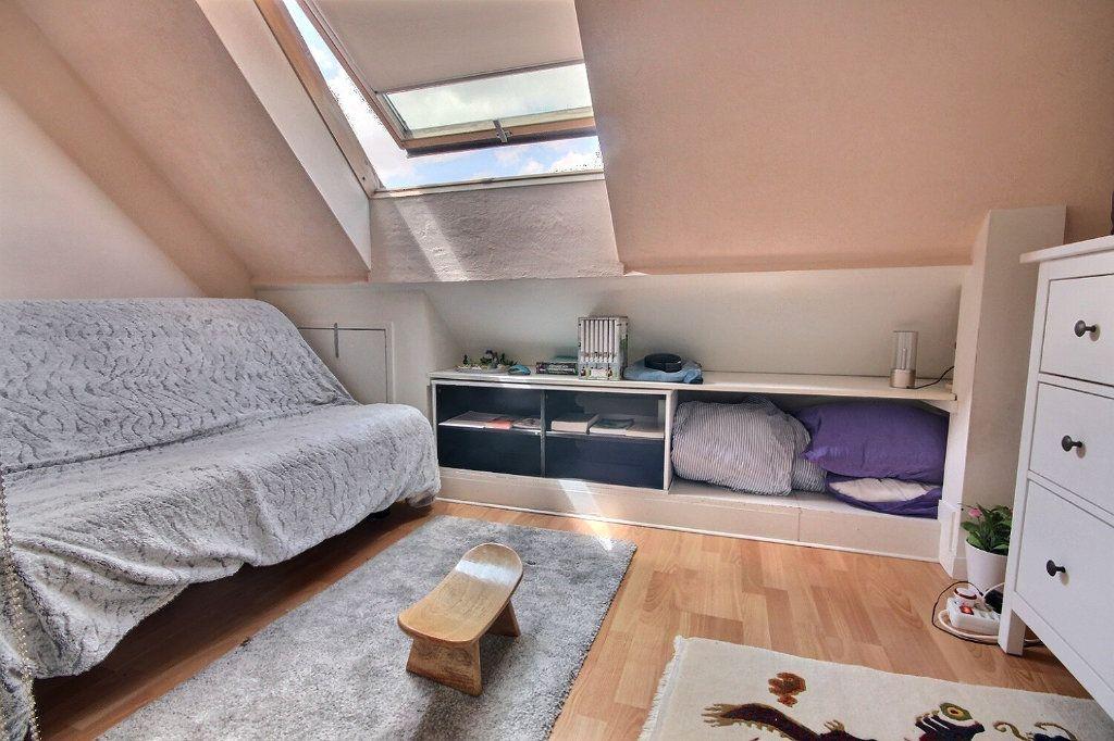 Maison à vendre 7 122m2 à Voisins-le-Bretonneux vignette-10