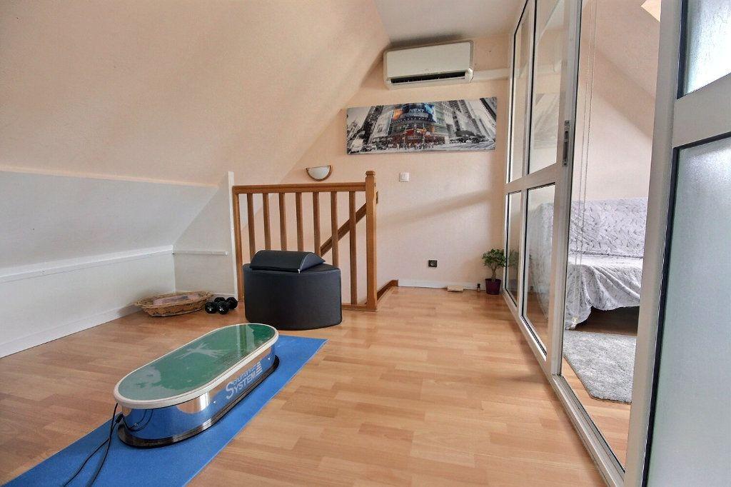 Maison à vendre 7 122m2 à Voisins-le-Bretonneux vignette-11