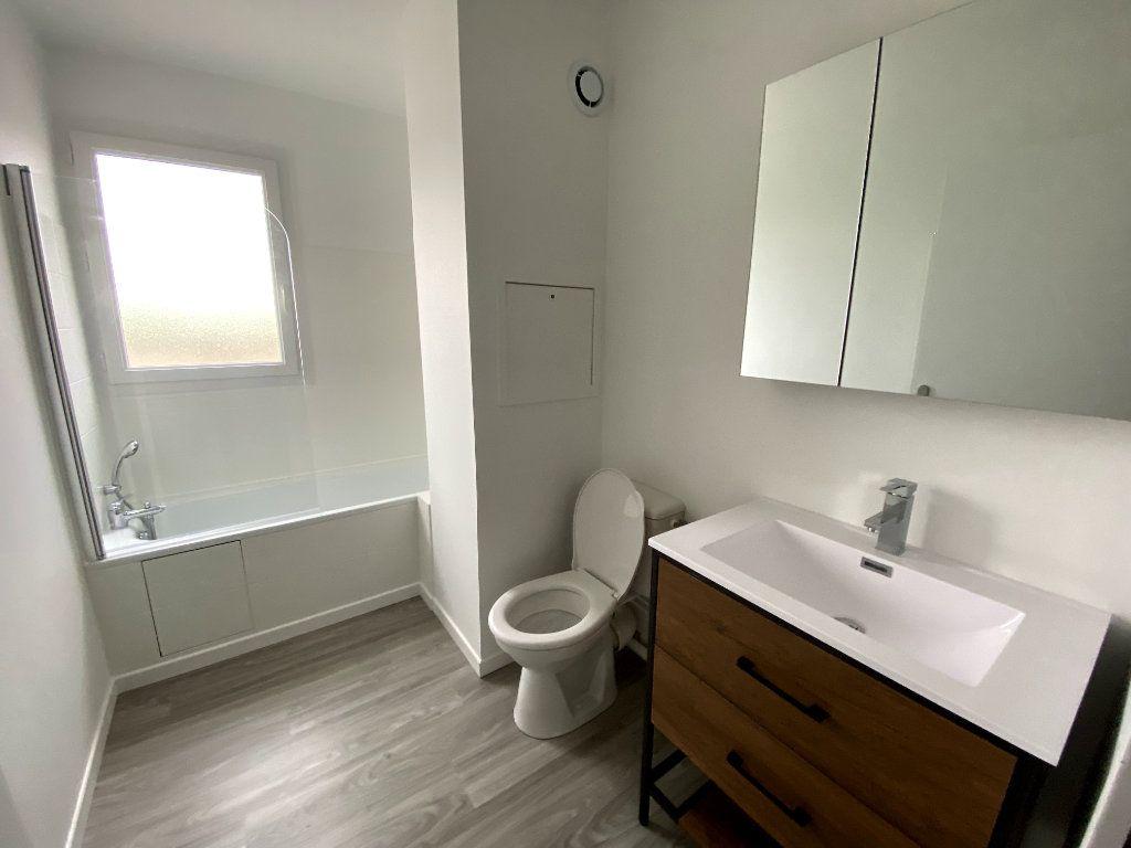 Appartement à louer 2 50.98m2 à Montigny-le-Bretonneux vignette-4